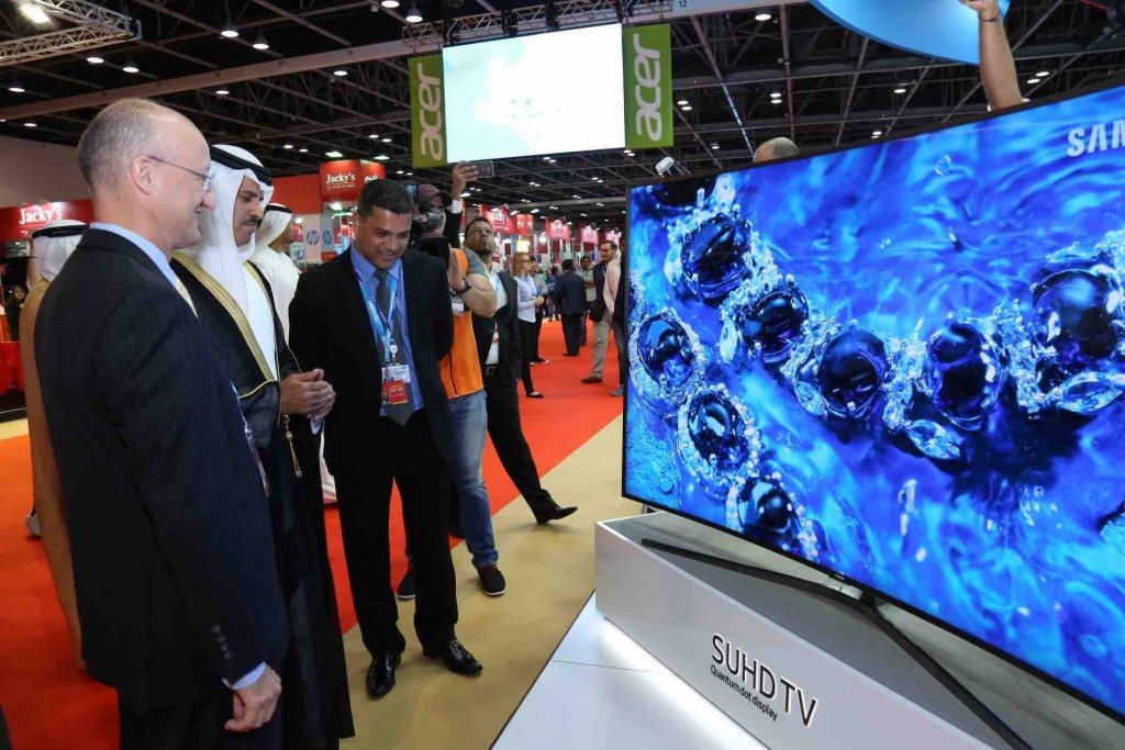 Samsung Displays New Products at GITEX Shopper 2017 - Review