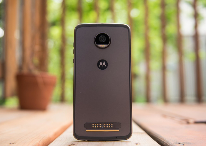 Watch: Unboxing the new Moto Z2 Play