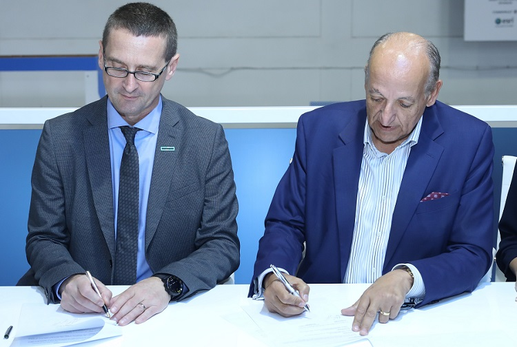 Wolfgang Egger, MD, Middle East at HPE with Dr Ali Baghdadi, SVP, Ingram Micro (L to R)